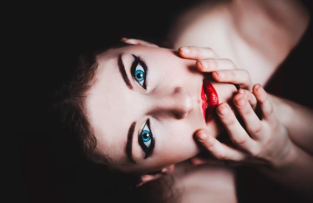 žena, make-up, portrét.jpg