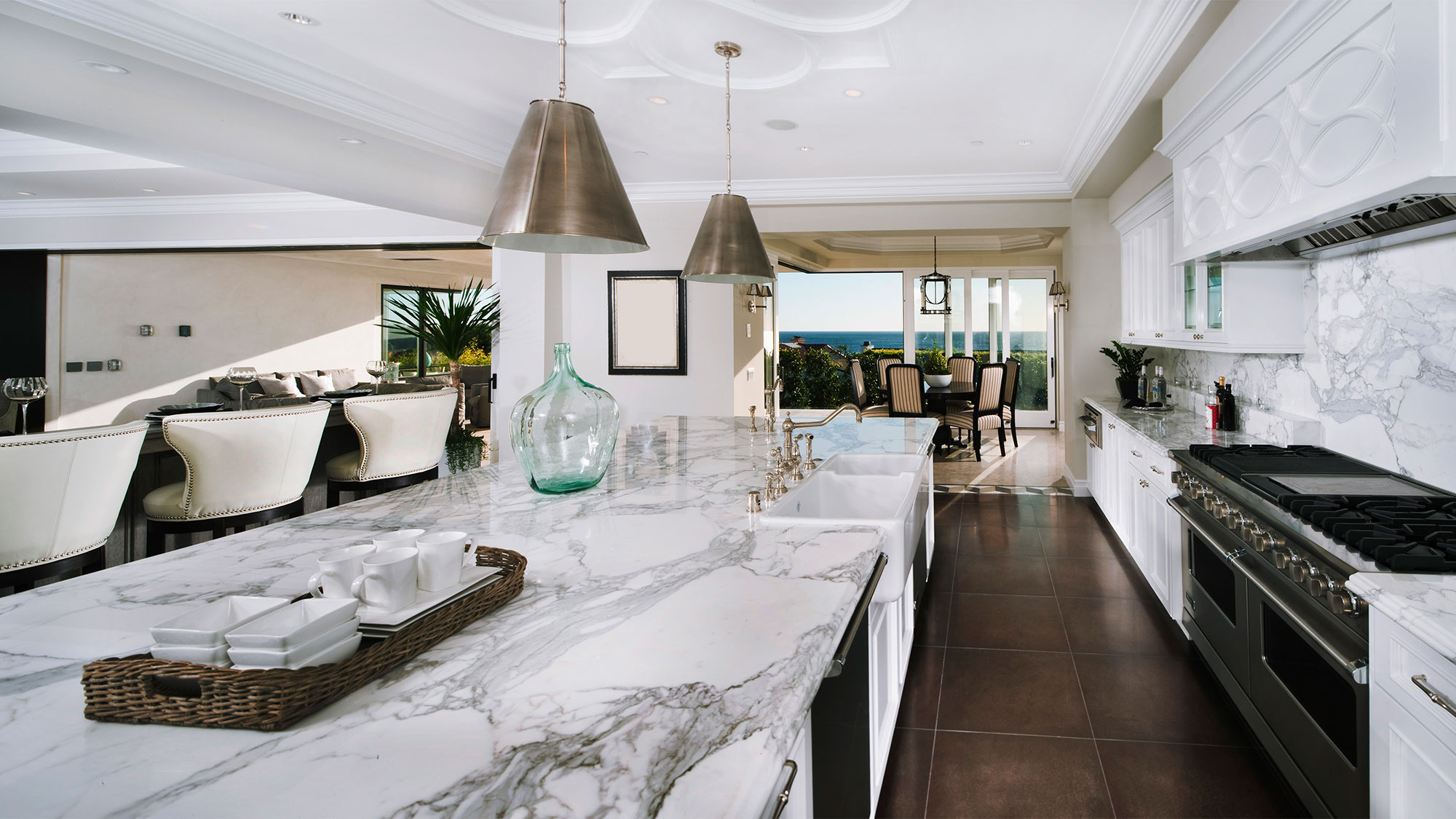 white-marble-counter